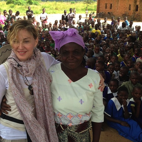 """Фото из аккаунта Instagram """"With a Woman from Nijiti Village in Malawi where we have built 10 schools with Build On! Equal attendance Girls and Boys! YEAH!"""""""